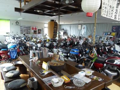 ベストオートの店内を昭和の雰囲気にレイアウトしてみました!