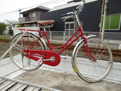 ベストオートのベストオートには当時ものの自転車もあります!