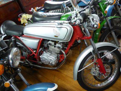ベストオートの島根のベストオートにはドリーム50のフルカウルもあれば、レンタルバイクもあります!