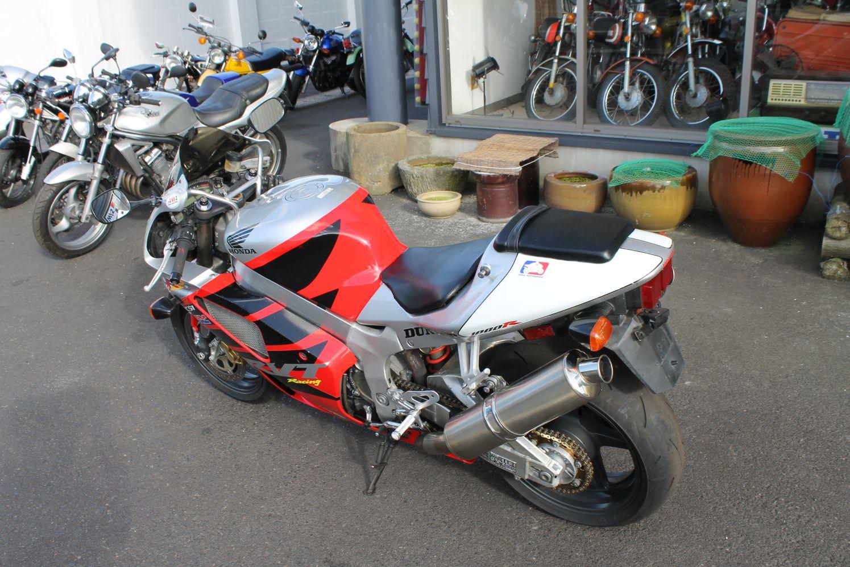 RVT1000R