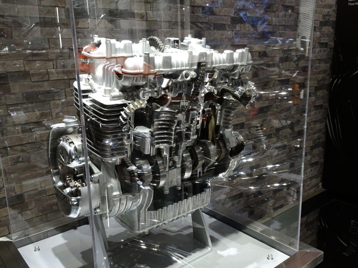 カワサキワールド Z1 エンジン