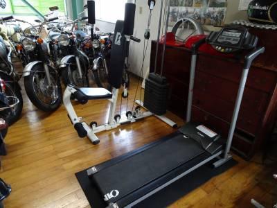 ベストオートの時代部屋にスポーツマシンを設置しました!