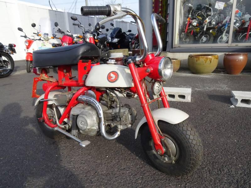 モンキーZ50M両角エンジン
